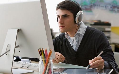 گوش دادن به موسیقی حین یادگیری